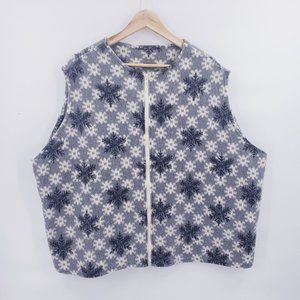 Jackets & Blazers - Women's Plus Size Felt Holiday Snowflake Vest